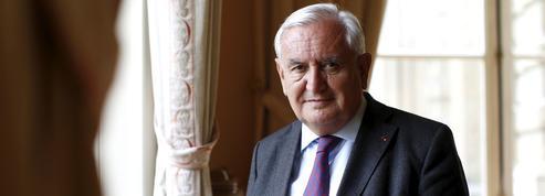 Raffarin: «Dans l'intérêt de la France, il ne faut rien s'interdire»