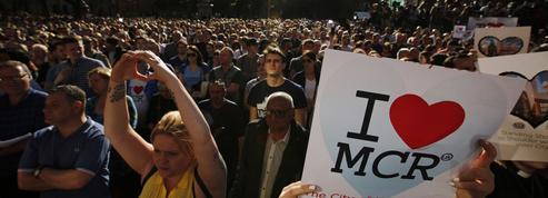 Unies, les communautés de Manchester pleurent leurs victimes