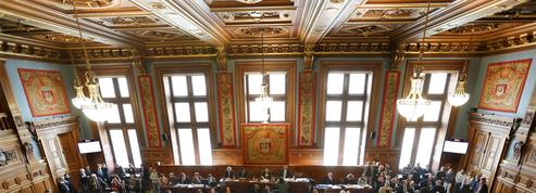 Un groupe macroniste pourrait naître au Conseil de Paris