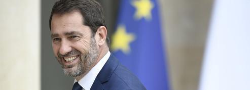 L'exécutif veut davantage de ministres de droite après les législatives