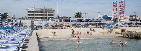 La guerre des paillotes relancée sur toutes les plages de France