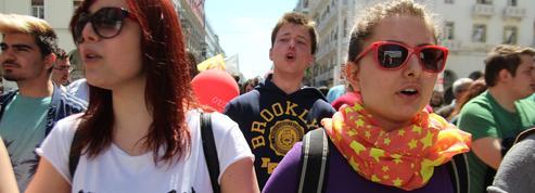 Chômage ou exil, la sombre alternative des jeunes Grecs