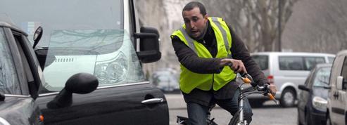 Sécurité routière: la difficile cohabitation entre cyclistes et automobilistes