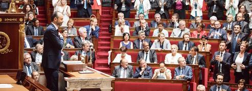 Édouard Philippe : en marche, à petits pas
