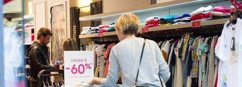 Le premier week-end des soldes a (finalement) attiré les Français dans les magasins