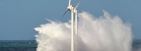 Offensive estivale contre l'installation d'éoliennes en mer