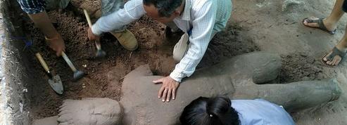 Découverte à Angkor d'une statue protectrice
