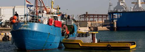 Migrants : les arrivées en Italie ont commencé à diminuer