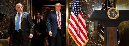 Trump isolé dans son pays après la polémique sur les suprémacistes blancs