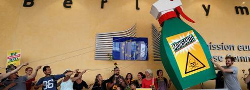 Des militants jugés pour avoir peint des bidons d'herbicide à base de glyphosate
