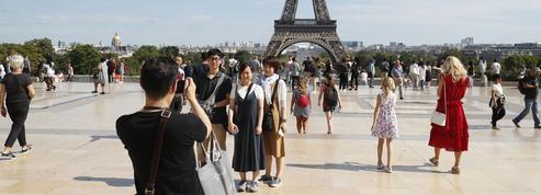 Tourisme: Paris prévoit une année record