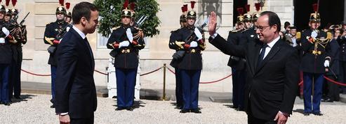 Macron justifie ses réformes après les critiques de Hollande