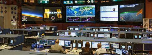 Tempête Harvey: à la Nasa, des lits de camp dans la salle de contrôle de l'ISS