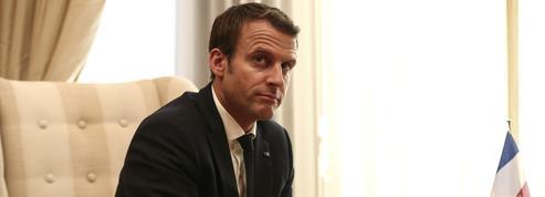 La violente charge de Macron contre les éditorialistes et les intellectuels