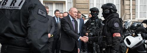 Loi antiterroriste: un test pour Collomb