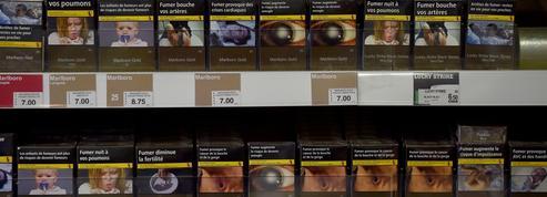 Cigarettes: le paquet neutre dope les ventes de Marlboro en France