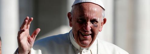 Migrants: pourquoi le Pape a-t-il corrigé ses propos?