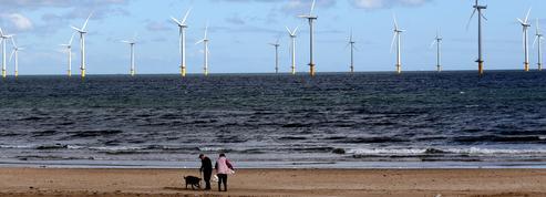 Éoliennes dans l'Atlantique et dans la Manche : une facture salée pour le contribuable français