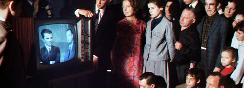 Il y a 50 ans, la télévision française passait à la couleur
