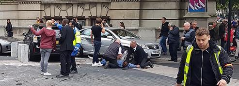 Comment un accident de voiture à Londres a mis en alerte les médias et les réseaux