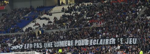 Lyon-Monaco : Aulas regrette les banderoles hostiles des supporters