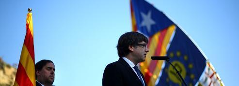 Catalogne : bras de fer épistolaire entre Carles Puigdemont et Mariano Rajoy