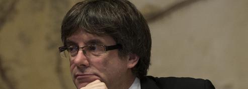 Catalogne : Carles Puigdemont maintient la pression