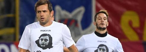 Les joueurs de la Lazio Rome ont porté des t-shirts Anne Frank