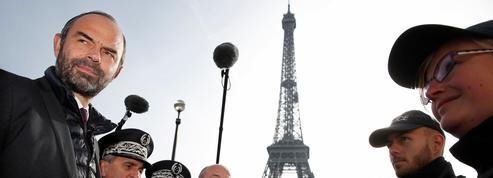 À la Tour Eiffel, Édouard Philippe défend la sortie de l'état d'urgence