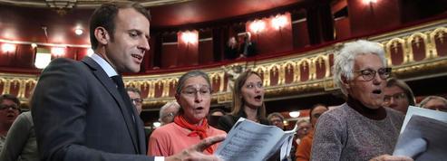 Emmanuel Macron chante Carmen à l'Opéra de Strasbourg