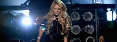 À la suite d'une hémorragie des cordes vocales, Shakira reporte sa tournée européenne
