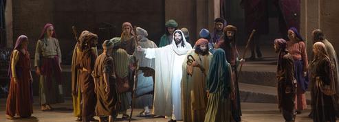 Au Palais des Sports : Jésus en chair et en toc