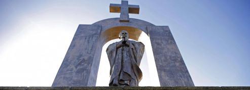 Croix, crèches, statues... quand la laïcité divague