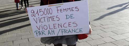Des féministes interpellent Macron sur les violences faites aux femmes