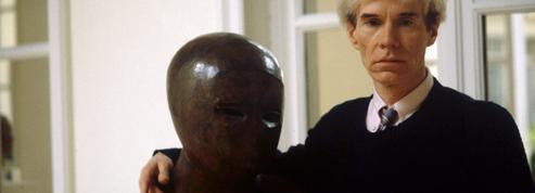 Un portrait haut en couleur d'Andy Warhol