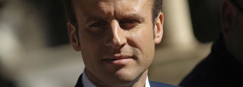 Macron à Alger pour une première visite présidentielle