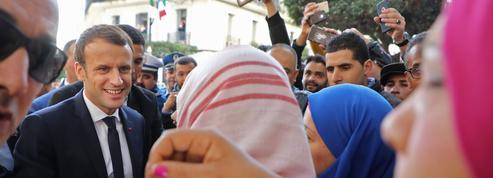 À Alger, Macron veut ouvrir «une page d'avenir avec la jeunesse»