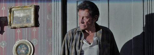 À 68 ans, Johnny débutait au théâtre dans LeParadis sur Terre de Tennessee Williams