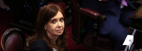 Argentine : l'ex-présidente Cristina Kirchner visée par un mandat d'arrêt