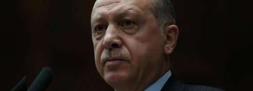 Visite historique et sous tension du président turc en Grèce