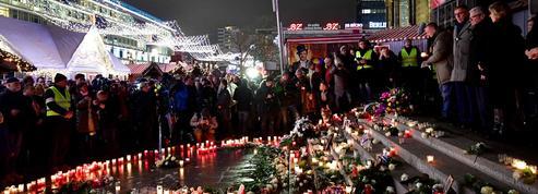 Allemagne: Berlin commémore l'attentat du marché de Noël
