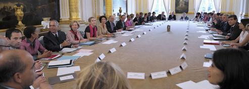 Ces anciens ministres et députés qui pointent à Pôle emploi