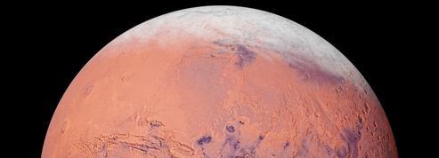 De la glace dans les profondeurs de Mars