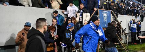 Le match Estoril-Porto interrompu pour ... une fissure dans une tribune