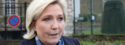 Marine Le Pen s'invite dans un centre de rétention pour attaquer le«laxisme» de Macron
