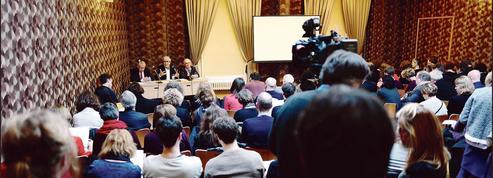 PMA, GPA, euthanasie... le gouvernement demande leur avis aux Français