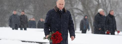 Poutine joue au candidat en campagne à Saint-Pétersbourg
