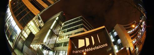 Trop coûteuse, trop commerciale, trop politisée... Faut-il en finir avec la télévision publique?