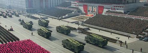 À la veille des Jeux olympiques, la Corée du Nord exhibe ses missiles balistiques