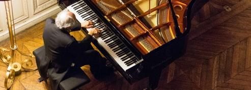 Voyage dans l'univers intemporel du pianiste David Lively